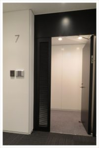entrance04